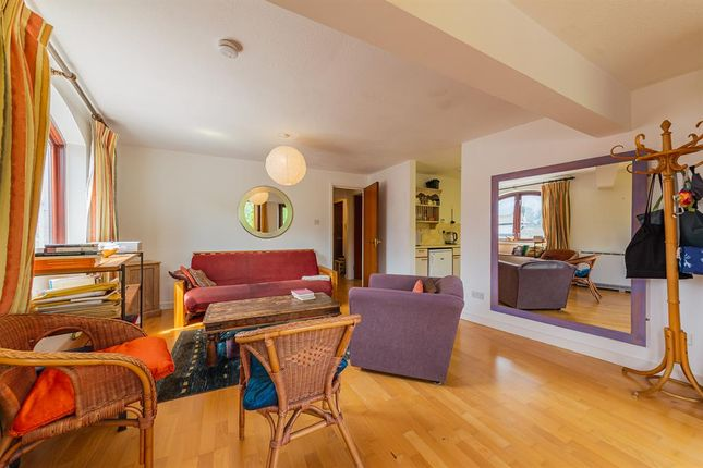 1 bed flat for sale in 88 The Heyes, Gloucester Green, Oxford OX1