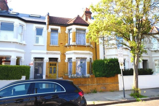 Thumbnail Terraced house for sale in Kenyon Street, Fulham