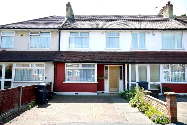 3 bed terraced house to rent in Clarendon Road, Cheshunt, Waltham Cross