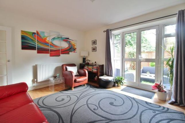 Thumbnail Maisonette to rent in Charters Close, Crystal Palace