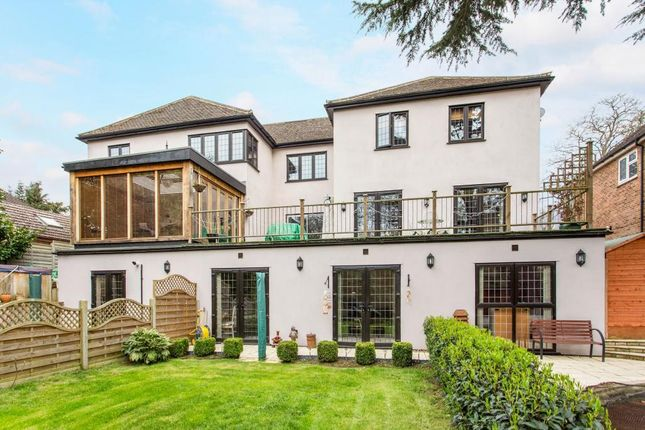 Thumbnail Property for sale in Woodlands Drive, Hoddesdon