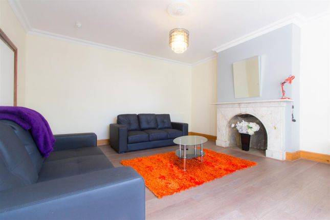 Thumbnail Property to rent in Richmond Road, Hyde Park, Leeds