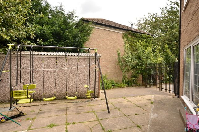 Picture No. 20 of Thorn Lane, Roundhay, Leeds LS8