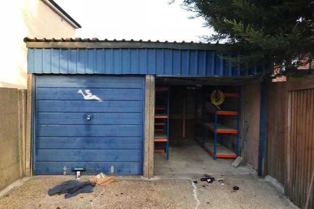Parking/garage to rent in Beckford Road, Croydon