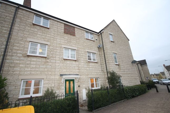 Thumbnail Town house to rent in Harvest Way, Witney