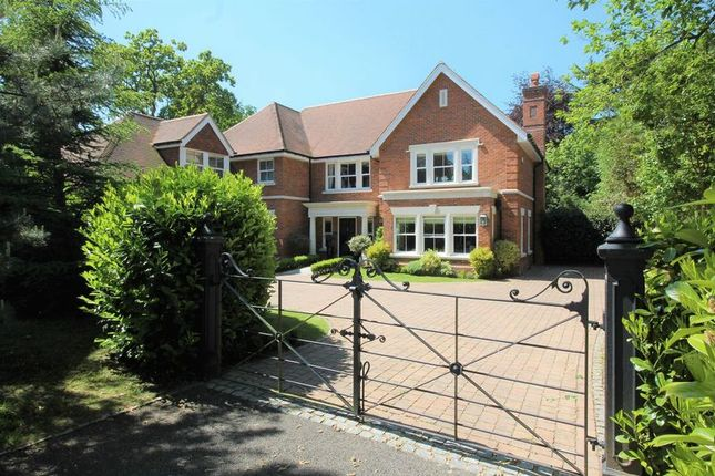 Thumbnail Detached house for sale in Hurst Drive, Walton On The Hill, Tadworth