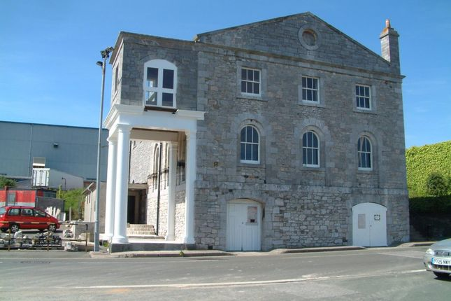 Office to let in South Yard, Plymouth, Devon
