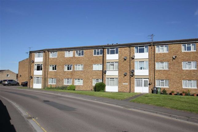 Thumbnail Flat to rent in The Lawns, Royal Wootton Bassett, Wiltshire