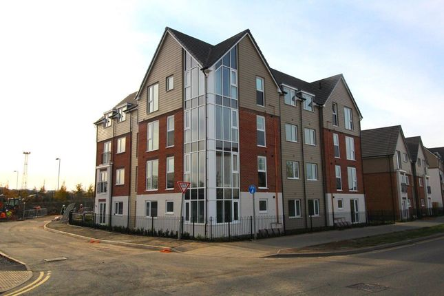 Flat to rent in Hansen Close, Rugby
