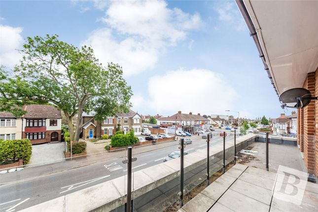 Thumbnail Flat for sale in 2c Holbrook House, Suttons Lane, Hornchurch