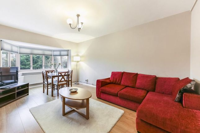 2 bed flat for sale in Creffield Road, London
