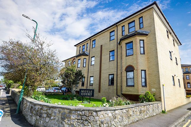 2 Bed Flat For Sale In Moyle Court South Road Hythe Ct21
