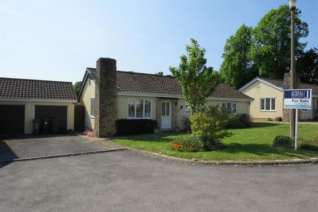 Thumbnail Bungalow for sale in Lime Tree Close, Calne