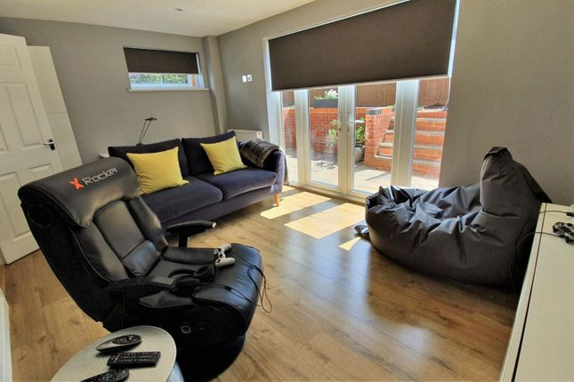 Family Room of Barons Close, Leicester LE9