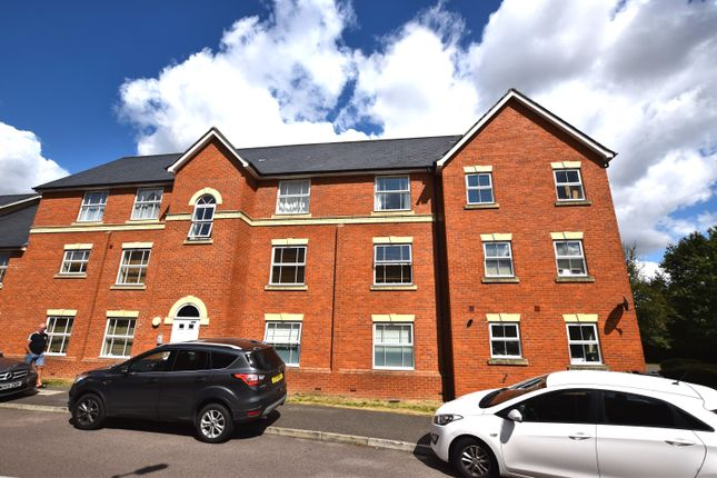 Thumbnail Flat for sale in Malyon Close, Braintree