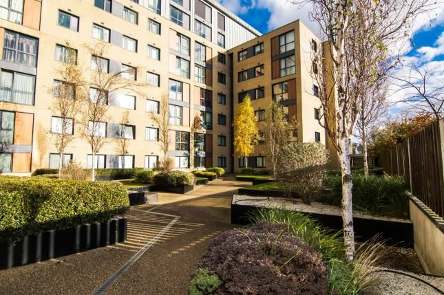 Thumbnail Flat for sale in Southernhay, Basildon, Essex