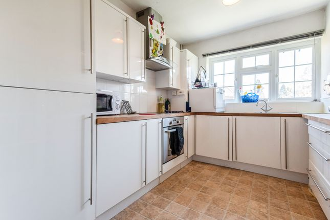 Thumbnail Maisonette to rent in Cranbrook Court, Fleet