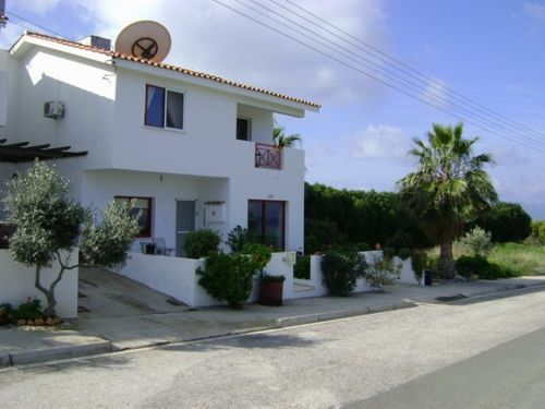 3 bed town house for sale in Argaka - Golf, 3 Bedroom Link Detached Hose - Title Deeds €190, 000, Cyprus