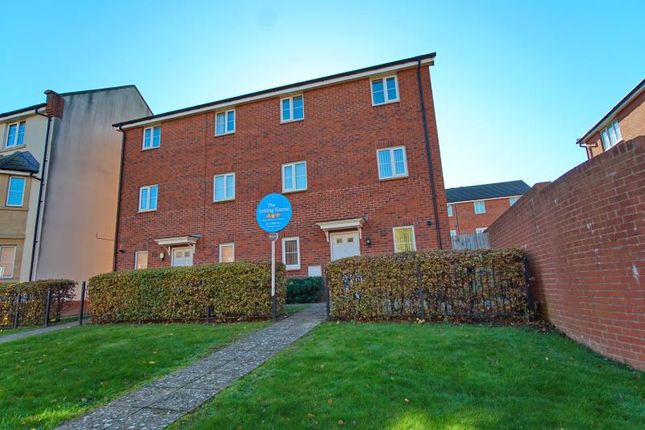 Thumbnail Semi-detached house to rent in Beatrix Place, Horfield, Bristol