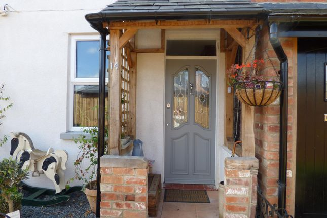 Thumbnail Terraced house for sale in Queen Street, Cirencester