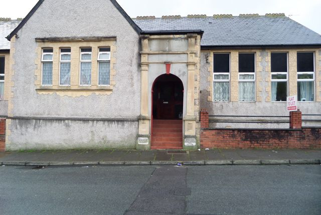 Thumbnail Flat to rent in Coronation Terrace, Natyffyllon
