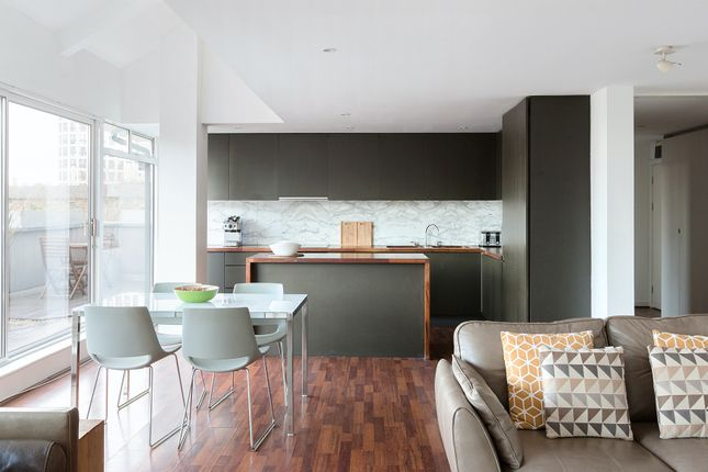 Thumbnail Duplex to rent in Bartholomew Square, London