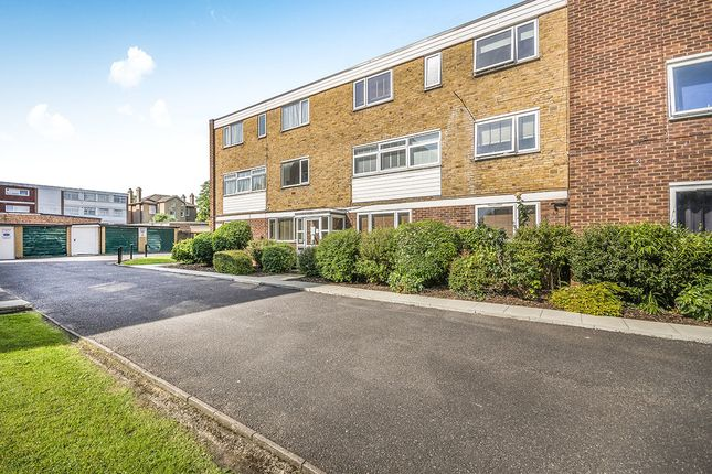 Thumbnail Flat to rent in St. Georges Road, Wallington