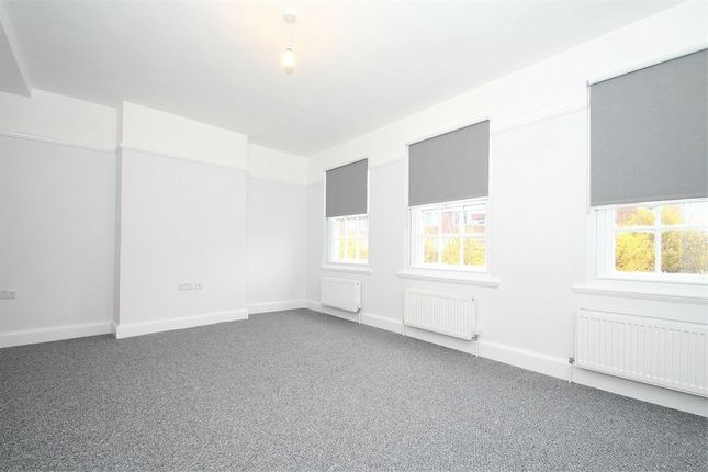 Thumbnail Maisonette to rent in High Street, Yiewsley, West Drayton, Middlesex