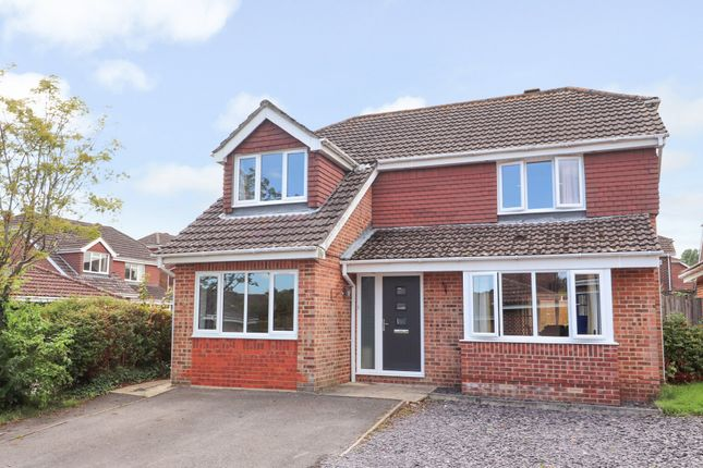 Thumbnail Detached house for sale in Linden Close, Waltham Chase, Southampton