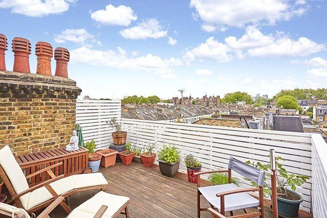 Thumbnail Maisonette for sale in New Kings Road, Parsons Green, Fulham, London