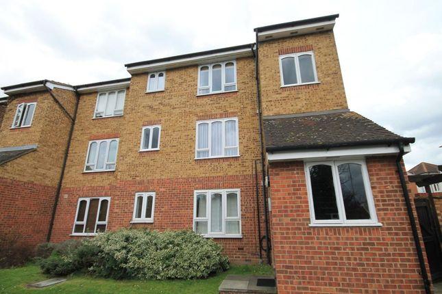 Thumbnail Flat to rent in Frazer Close, Romford