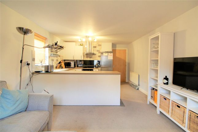 Picture No. 11 of Platinum Apartments, Silver Street, Reading, Berkshire RG1