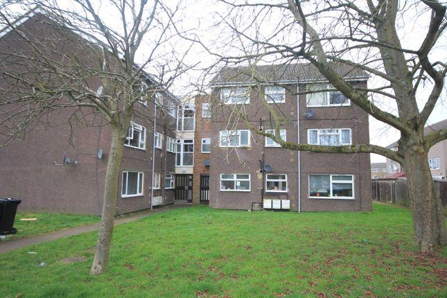 Thumbnail Flat to rent in Claymore, Hemel Hempstead