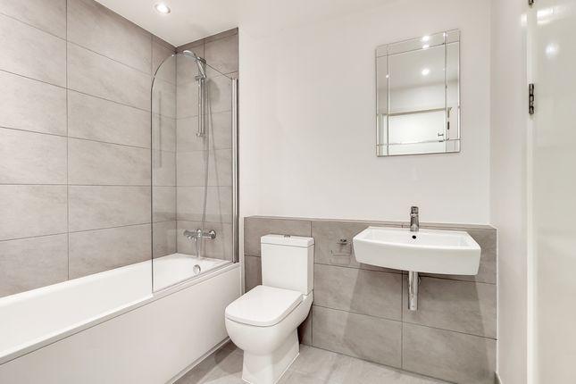 5_Bathroom-0 of Union Park, London SE10