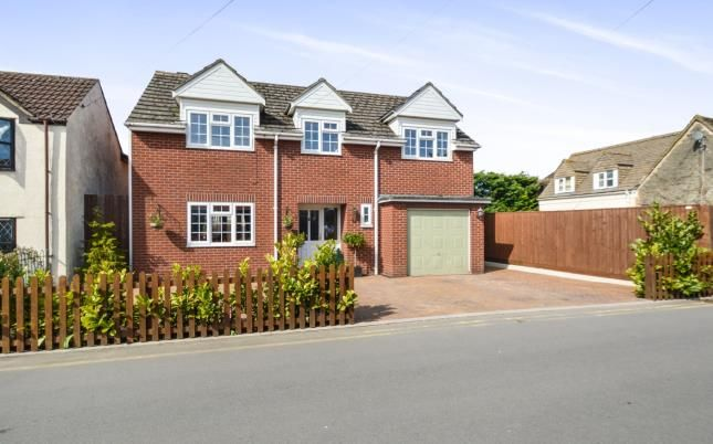 Thumbnail Detached house for sale in Blunsdon Road, Haydon Wick, Swindon, Wiltshire