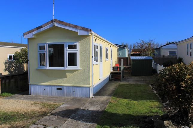 Thumbnail Mobile/park home for sale in Centre Drive, Summer Lane Park Homes, Banwell