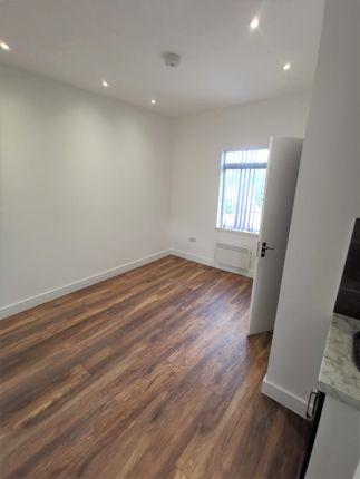 Thumbnail Studio to rent in Southgate Road, Potters Bar, High Barnet