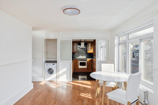 1 bed property to rent in Wheeler Gardens, London N1