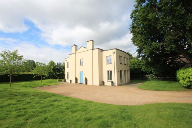 Thumbnail Detached house to rent in Wallfield Park, Reigate