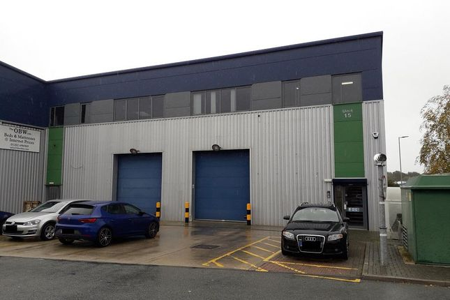 Thumbnail Warehouse to let in Holyrood Close, Upton, Poole