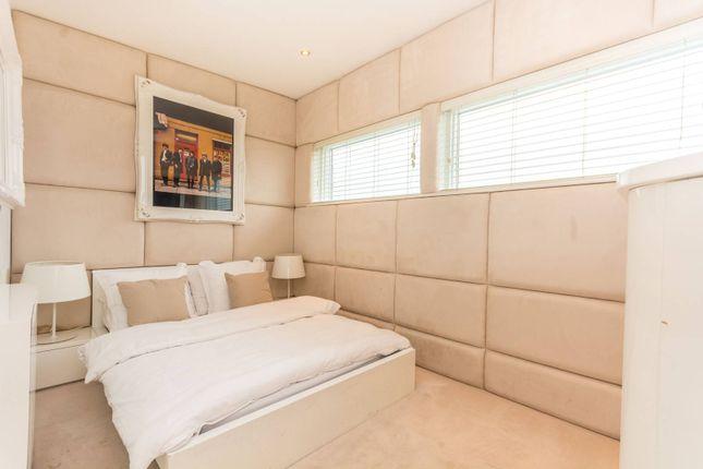 2 bed flat for sale in Kilburn Lane, Kensal Rise