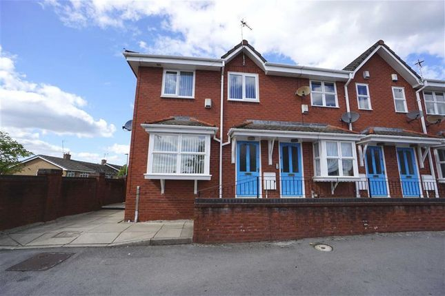 Thumbnail Flat for sale in Spinningdale, Little Hulton, Manchester