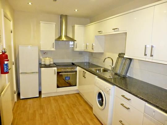 Thumbnail Flat to rent in Lindisfarne, Otterburn Villas, Otterburn Tce., Jesmond, Newcastle Upon Tyne