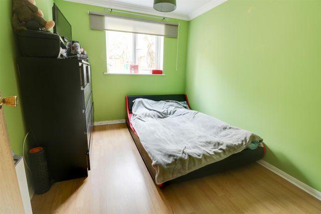 Bedroom of Bankfoot, Badgers Dene, Grays RM17