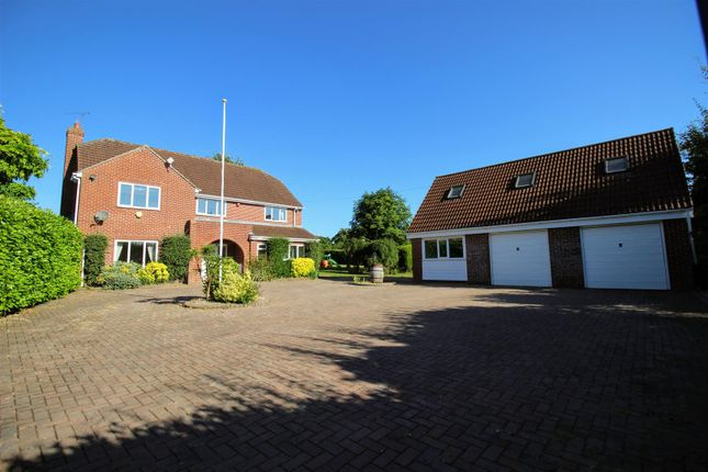 Thumbnail Detached house for sale in Washpool, Swindon