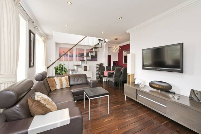 Thumbnail Flat to rent in Brook House, 47-48, Clapham Common South S, London