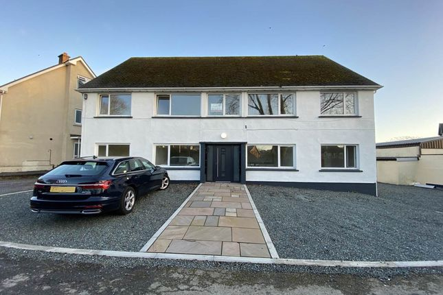 Thumbnail Flat for sale in 2 Lon Hendre, Waunfawr, Aberystwyth