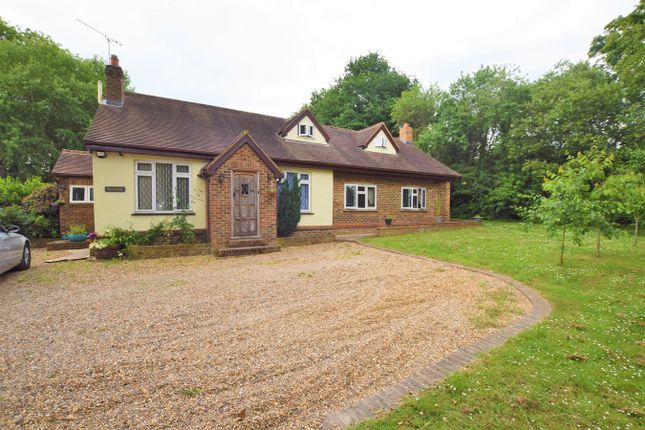 Thumbnail Detached house for sale in Buckwyns Chase, Billericay