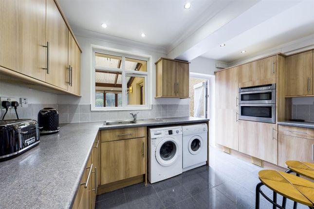 Kitchen Picture 1
