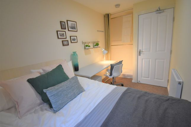 Thumbnail Semi-detached house to rent in Downy Birch, Coventry